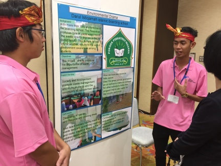 Sharing their P4Y Vision 2030 action project at the public forum in Hiroshima